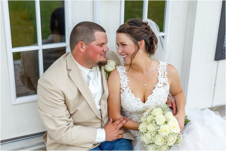 bride and groom photos at October oaks wedding